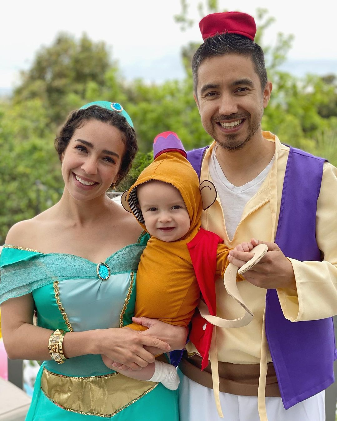 Blogger Valentina Chavero and family with DIY Baby Costume for Halloween